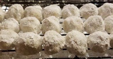 Weed edibles recipe: Russian tea cakes made with cannabutter